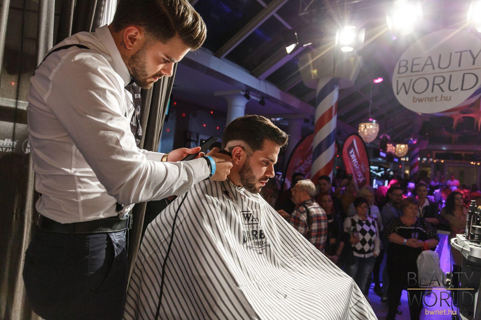 fodrász rendezvények 2017, fodrászverseny, barber budapest, fodrász verseny képek, fodrász verseny 2017, barber battle budapest 2017, barber battle budapest, pengék éjszakája, beauty world net, bwnet, online időpontfoglalás, online bejelentkezés, hajas lászló, ternyák kata, marosfalvi lászló, kompos tamás,