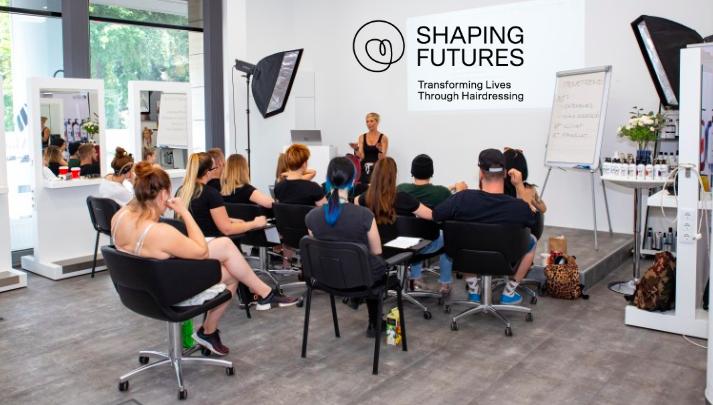Shaping Futures, Schwarzkopf Professional, fodraszok, segedprogram, BWNET online időpontfoglaloprogram