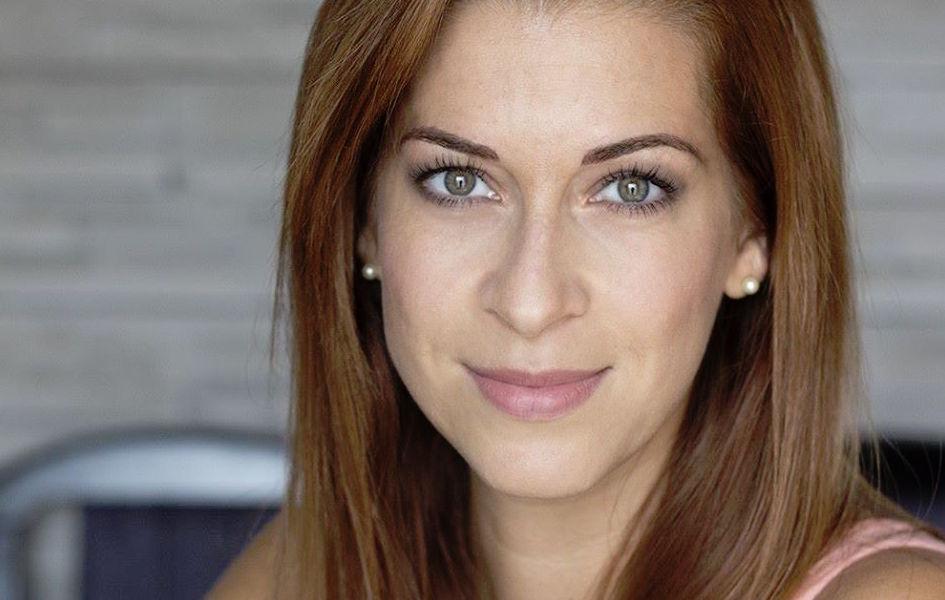 Bella Tímea kozmetikus, aki már több, mint tíz éve foglalkozik ezzel a gyönyörű szakmával és még mindig töretlen a lelkesedése.<br /> <br />