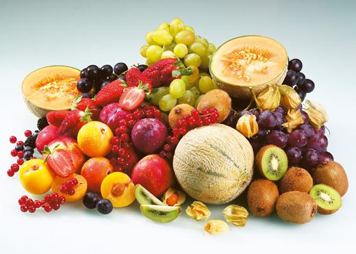 <p>A gyümölcsök jótékony hatást gyakorolnak szervezetünkre. Sokat halljuk, hogy fogyasszunk naponta minél többször gyömölcsöt, de hogy melyik mire is jó, azt már kevesen tudják.</p><br /> <p>Lássunk néhányat!</p>