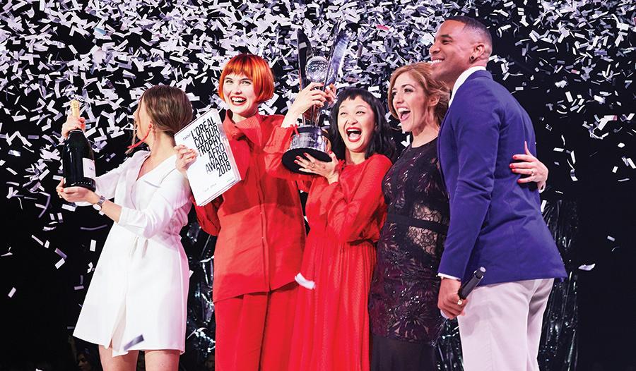 A L'Oréal Colour Trophy a fodrászati szakma egyik legnevesebb eseménye, amely a világ 55 országában kerül megrendezésre. 2018-ban Magyarország 3. alkalommal vesz részt a nemzetközi megmérettetésen. A fodrászversenyre 2018. szeptember 1-ig adhatod le pályamunkád, a női divatfrizura kategória első helyezettje pedig Párizsban képviselheti hazánkat a L'Oréal Colour Trophy nemzetközi döntőjén. Most frizura képekkel segítjük felkészülésed.