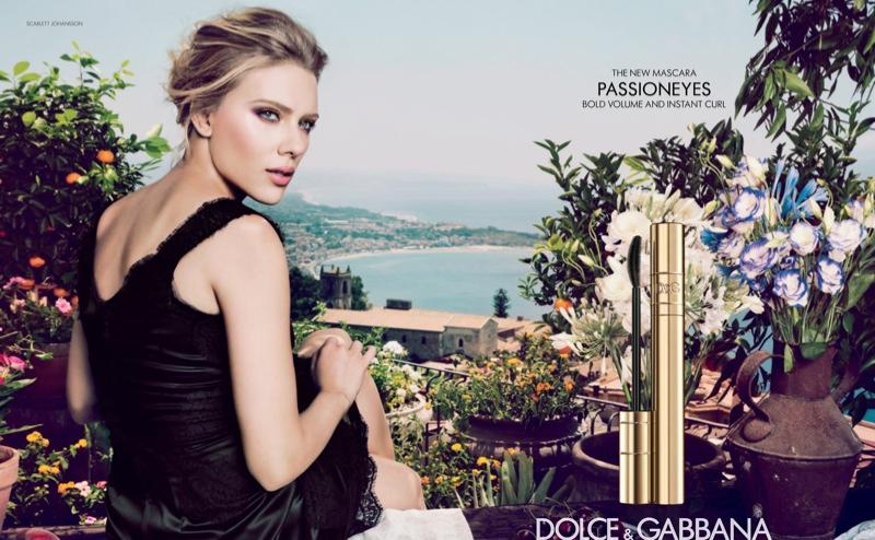 <p>Scarlett Johansson a Dolce&Gabbana legújabb kampányában.</p>